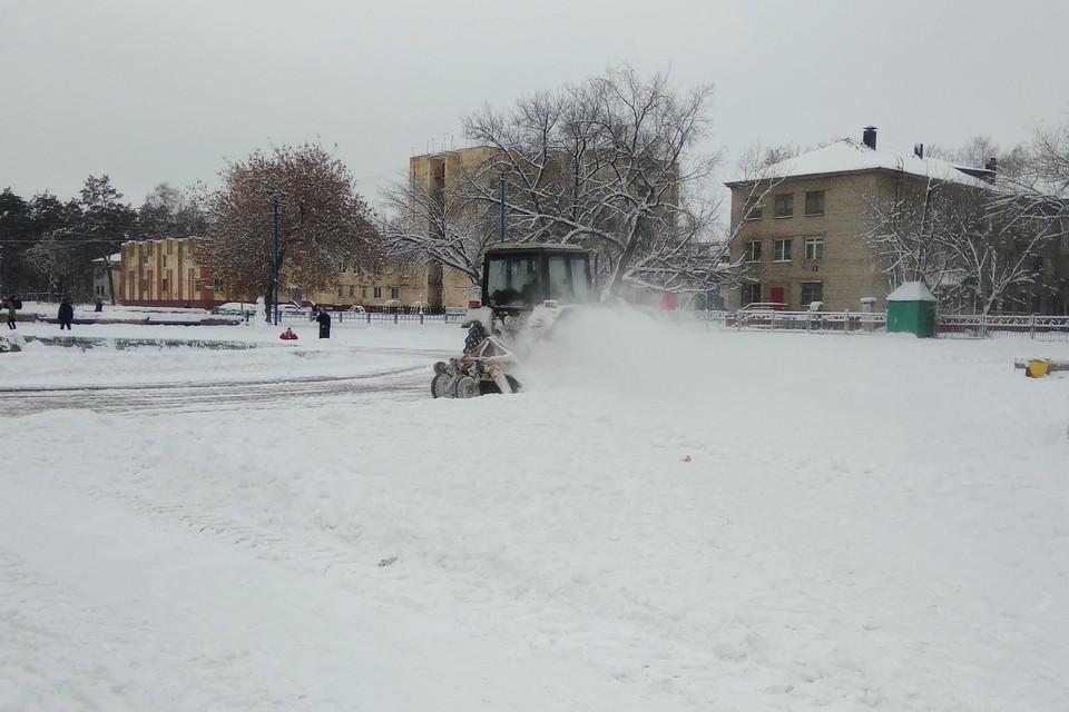 Липчанам рассказали, куда жаловаться на заваленные снегом дороги