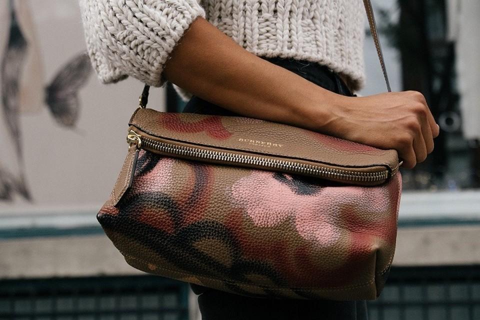 Житель Пыть-Яха похитил дамскую сумочку