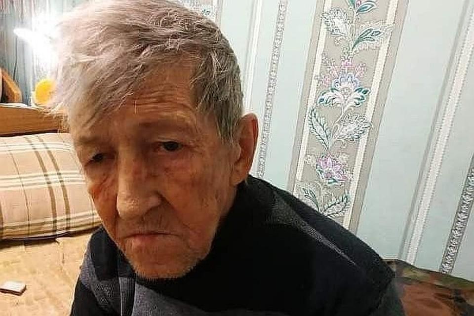 К 69 годам Виктор Богданов почти ослеп. Фото: t.me/alternativa_channel