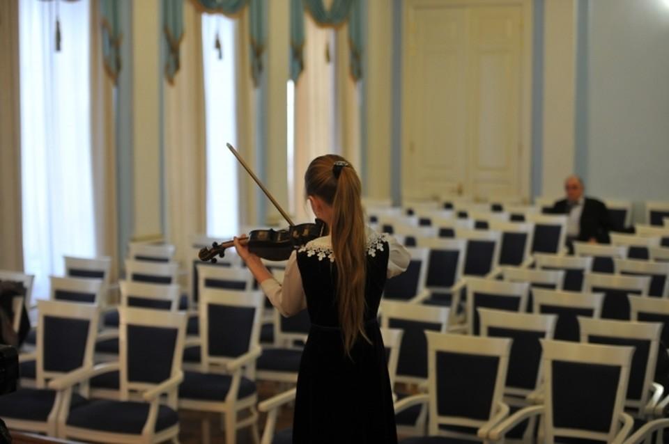 В Петербурге школам выделили 180 миллионов рублей на закупку музыкальных инструментов