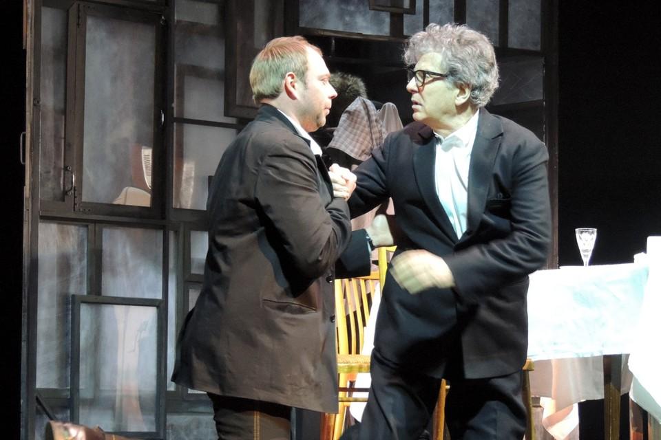 Алексей Дякин рассказал, что во время работы над спектаклем он, как и его герой, подружился с Игорем Костолевским.