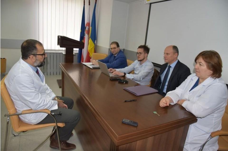 Американские стоматологи проходят обучение в молдавском Университете медицины