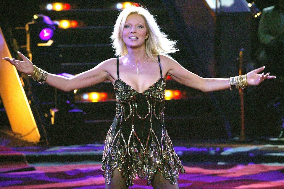 Наталья Ветлицкая на сцене.