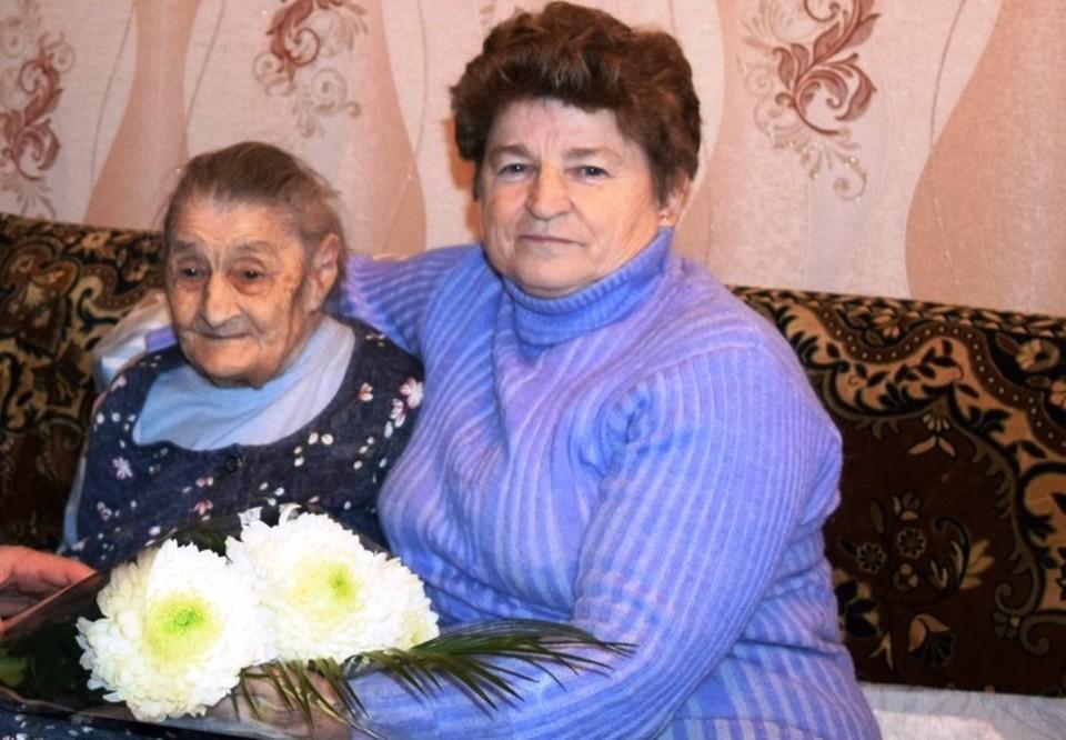 Виктория Андреевна и сейчас время от времени вспоминает работу на почте