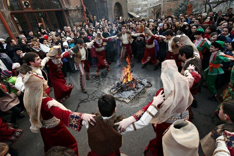 Армянский праздник Терендез отмечают как день молодоженов. Фото: Дом дружбы народов РК