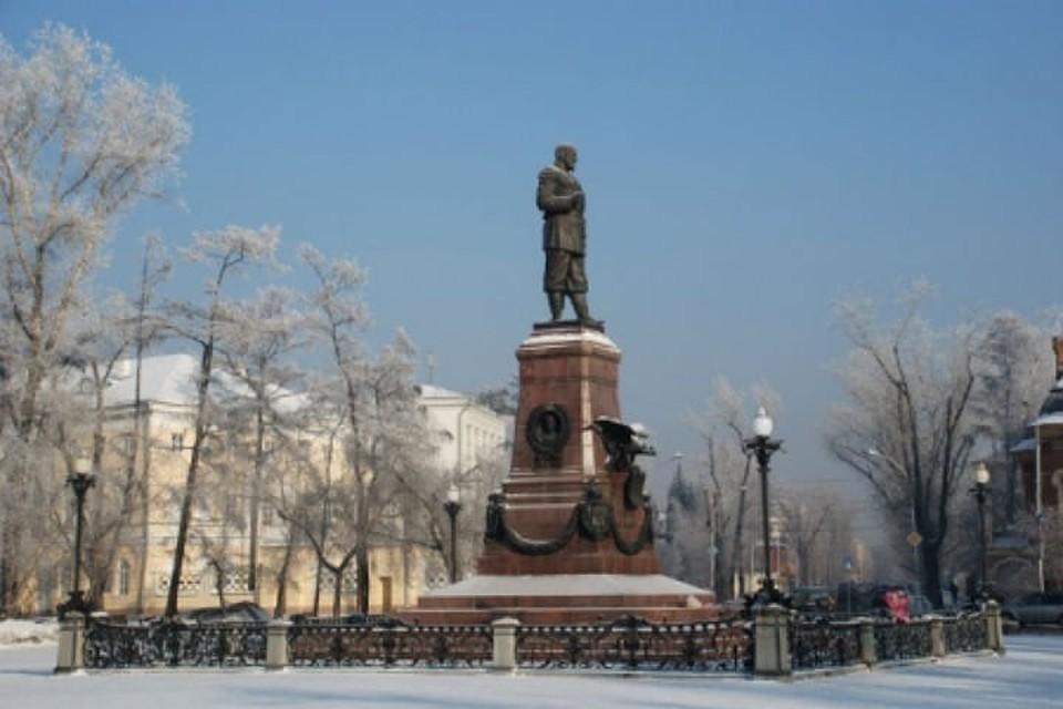Ограждение постепенно восстанавливают. Фото: пресс-служба администрации Иркутска.