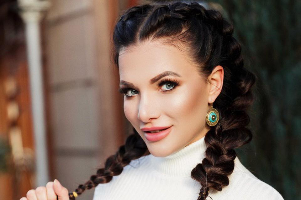 30-летняя певица и телеведущая канала «Russian Musicbox» Кира Шайн рассказала свою непростую историю