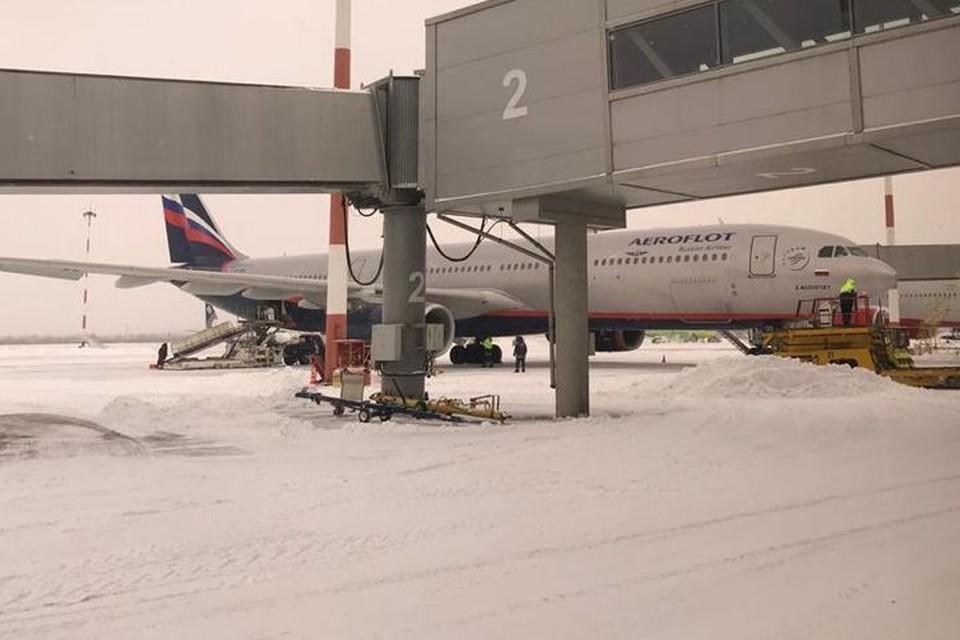 Самолету пришлось приземлится в Хабаровске