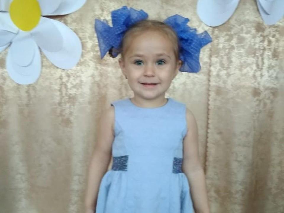 Врачи обнаружили у Алисы рак. Фото предоставлено фондом «Сохрани жизнь»