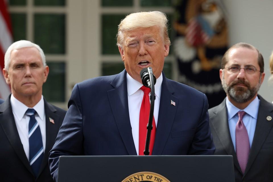 Дональд Трамп объявил о введении в США режима ЧС.