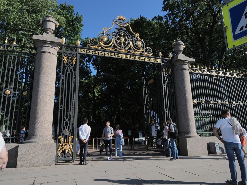 Все парки Санкт-Петербурга закрываются из-за карантина по коронавирусу с 28 марта 2020 года.