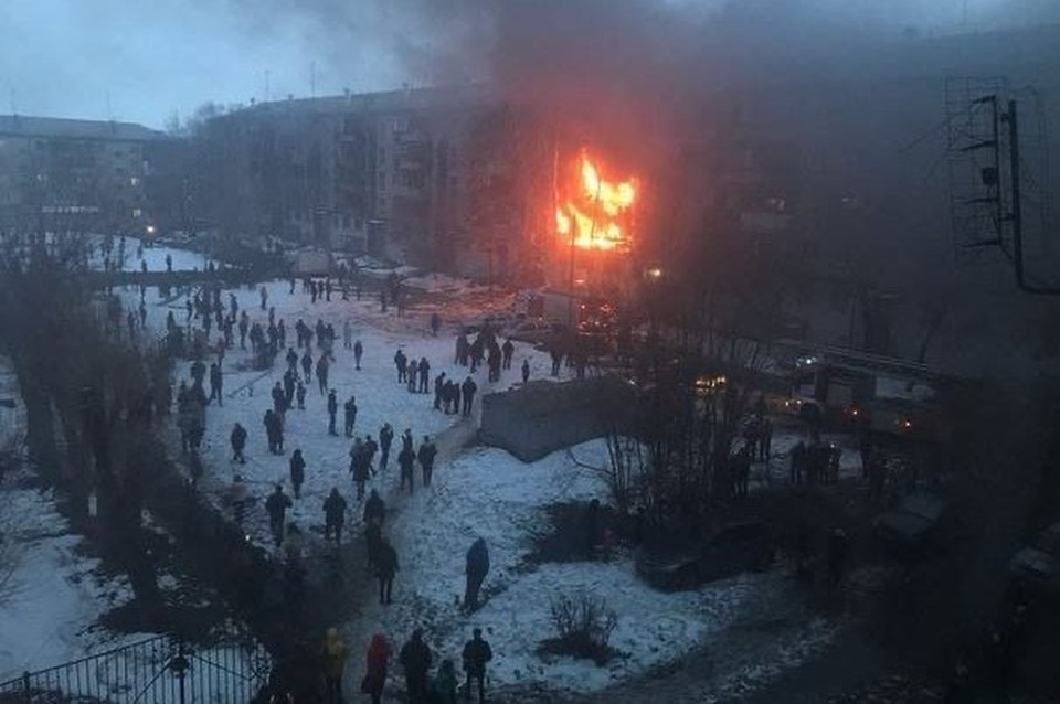 Некоторые очевидцы сообщают о пожаре в двух квартирах. Фото: читатели КП-Челябинск