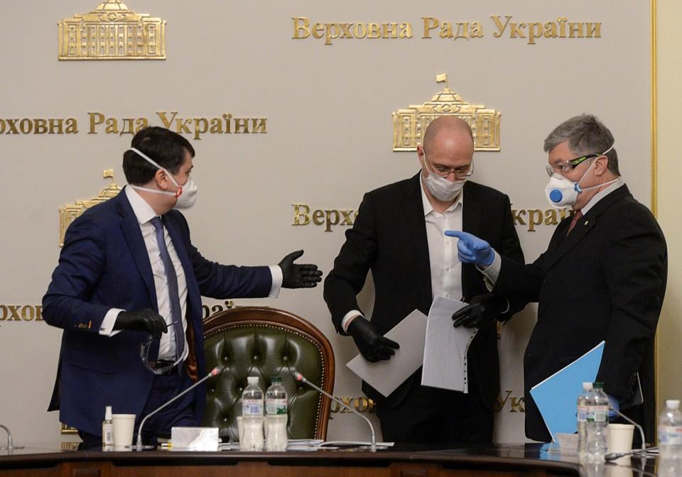 Жаркие споры развернулись сейчас в украинском политикуме вокруг вопроса, надо или нет обращаться за помощью к России.