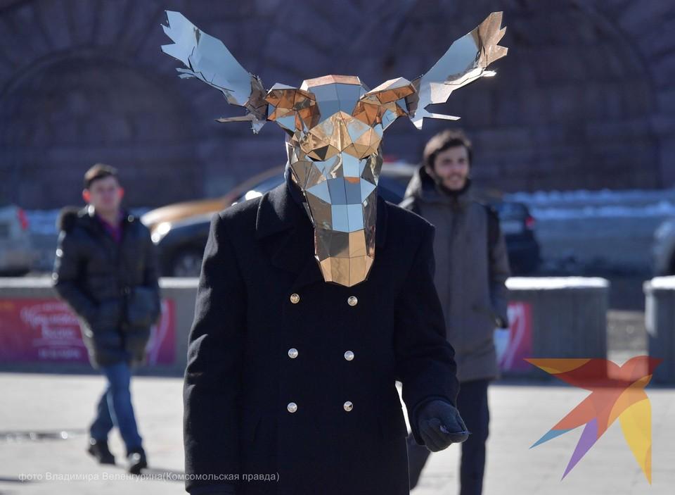 Призывы носить маски москвичи восприняли каждый по-своему.