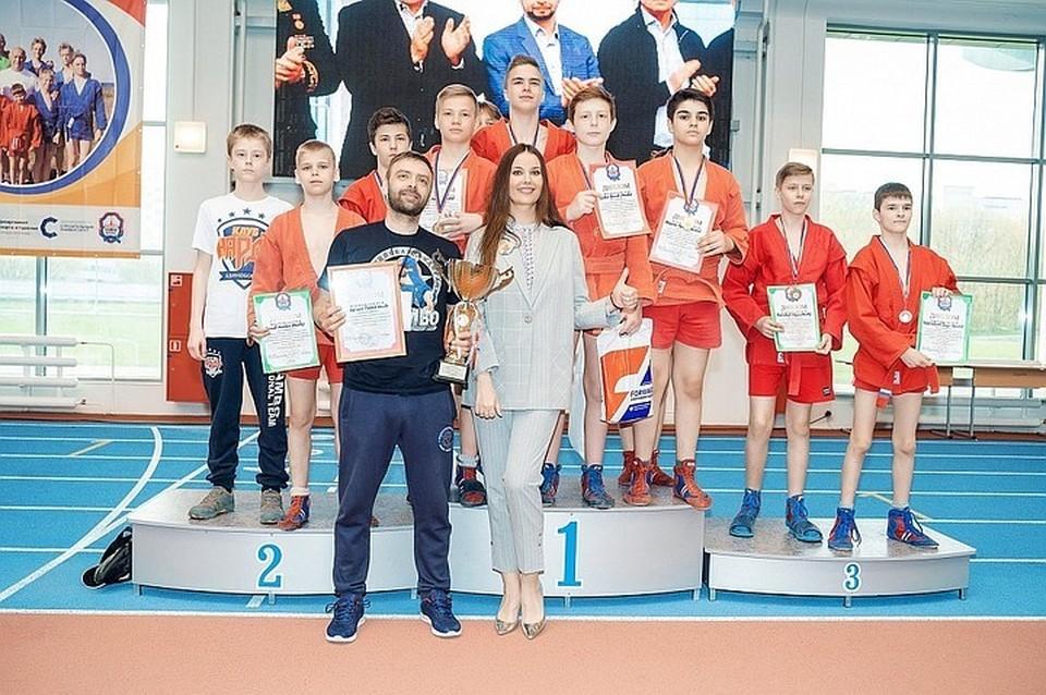 В турнире примут участие юноши и девушки в возрасте от 13-ти до 16-ти лет.