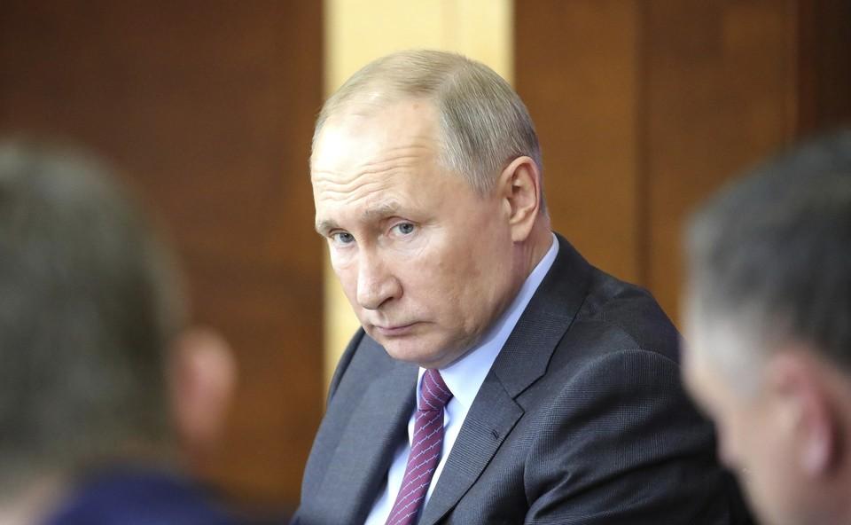 Путин поручил создать резерв лекарств и тест-систем для диагностики коронавируса