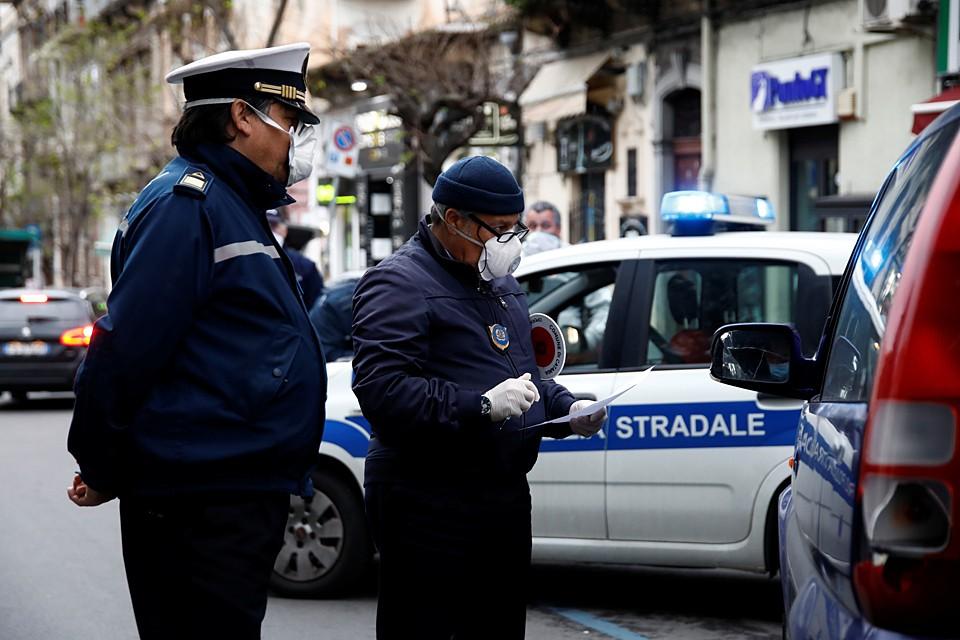 Полиция приведена в повышенную готовность. Улицы патрулируют усиленные и многочисленные наряды правоохранителей и дружинников