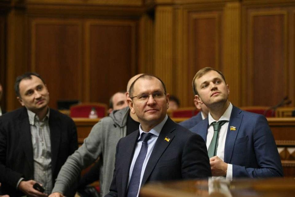 Сложно сказать, кривит ли душой Евгений Шевченко, но он уверен, что Владимир Зеленский на его стороне