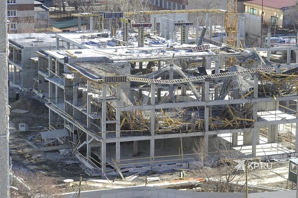 В здании рухнули два этажа