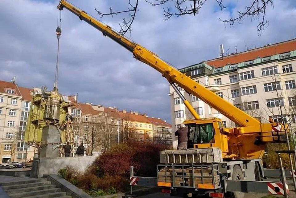 В МИД Чехии прокомментировали демонтаж памятника Коневу