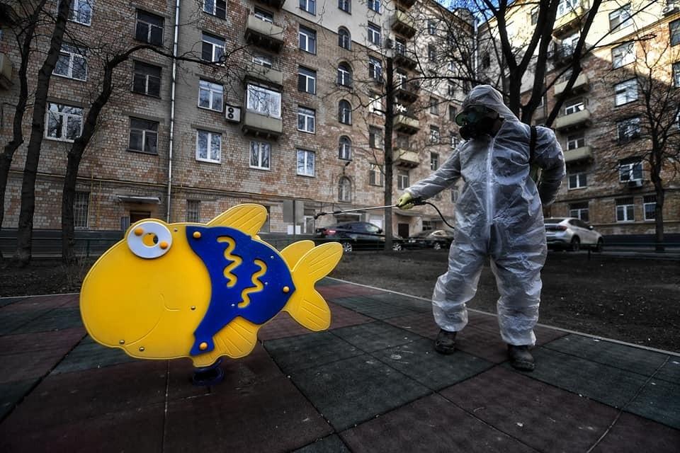 Почему московские детские площадки не пустуют