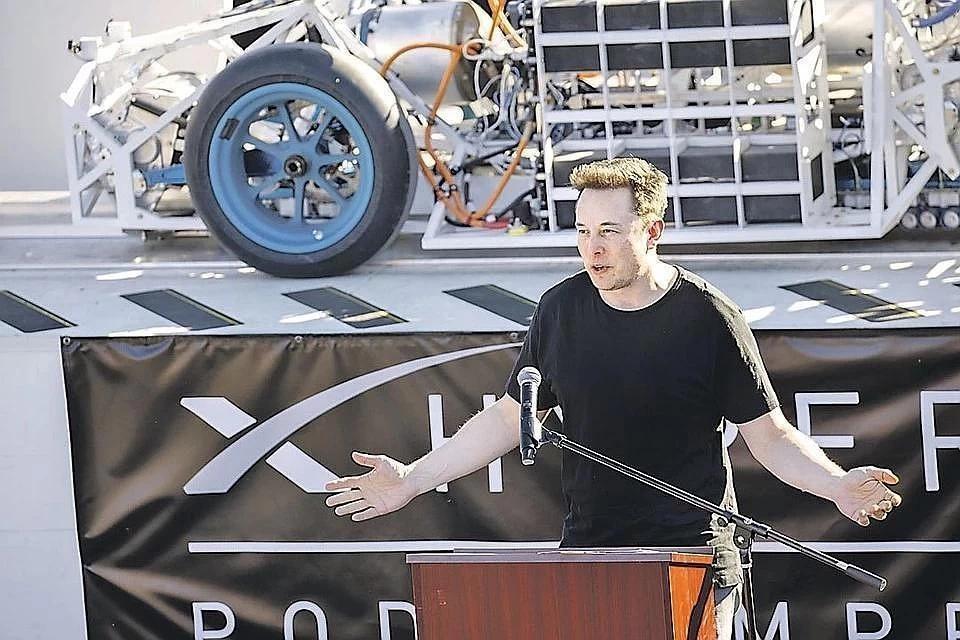 Илон Маск - основатель SpaceX