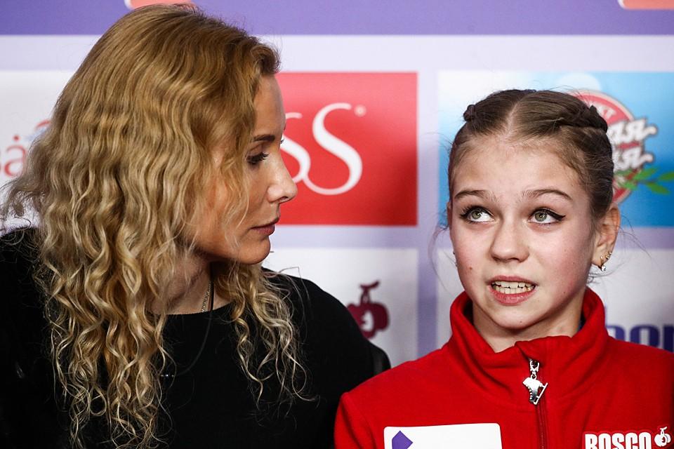 Саша Трусова ушла от Этери Тутберизе. Фото: Сергей Бобылев/ТАСС