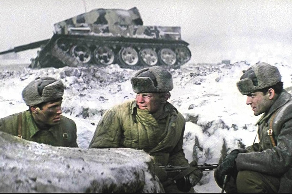 Не будь героизма наших солдат под Котельниково, иначе могла завершиться и Сталинградская битва. Кадр из фильма «Горячий снег», посвященного этим событиям. Фото: Кадр из фильма.
