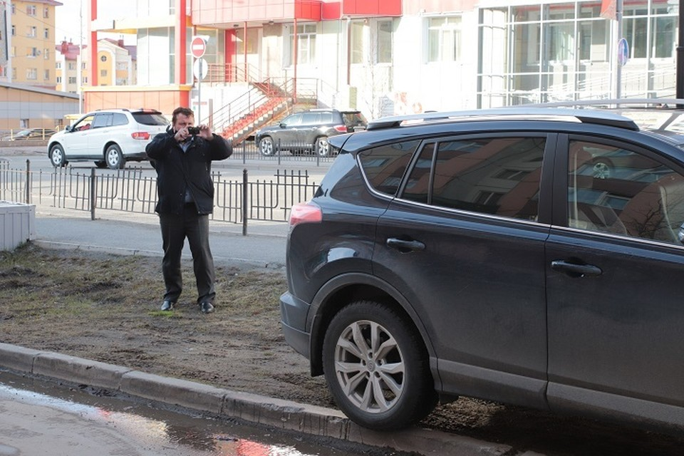 В Салехарде проверят соблюдение правил парковки во дворах Фото: salekhard.org