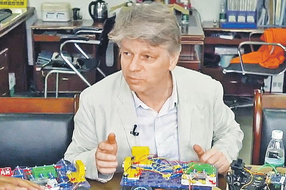 Андрей Бахметьев руководит компанией, которая производит развивающие игрушки. Фото: НТВ