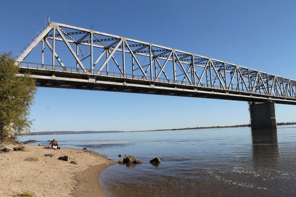Ремонт моста стартует на этой неделе, строительство нового - в июне. Фото: Ольга ЗУБАРЕВА
