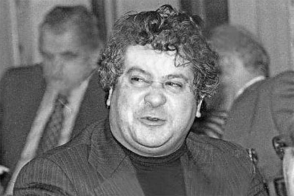 За широту души Гаджикасимова прозвали «бакинским Портосом».