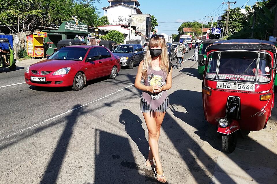 Пробок на дорогах, из-за спешащих за покупками тук-туков, больше нет