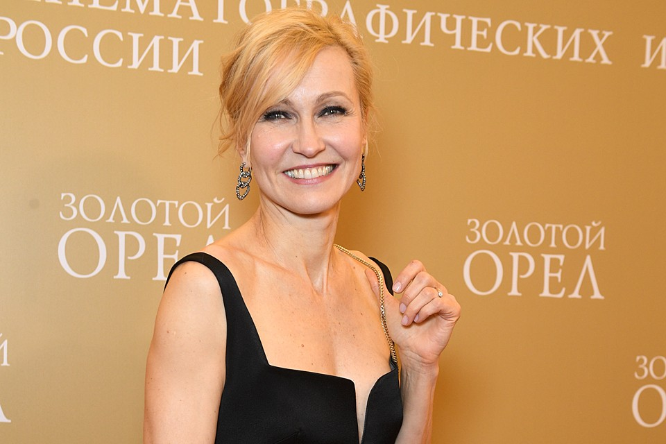 У актрисы есть несколько знакомых и друзей, которые переболели коронавирусом, поэтому она старается заботиться о собственной безопасности