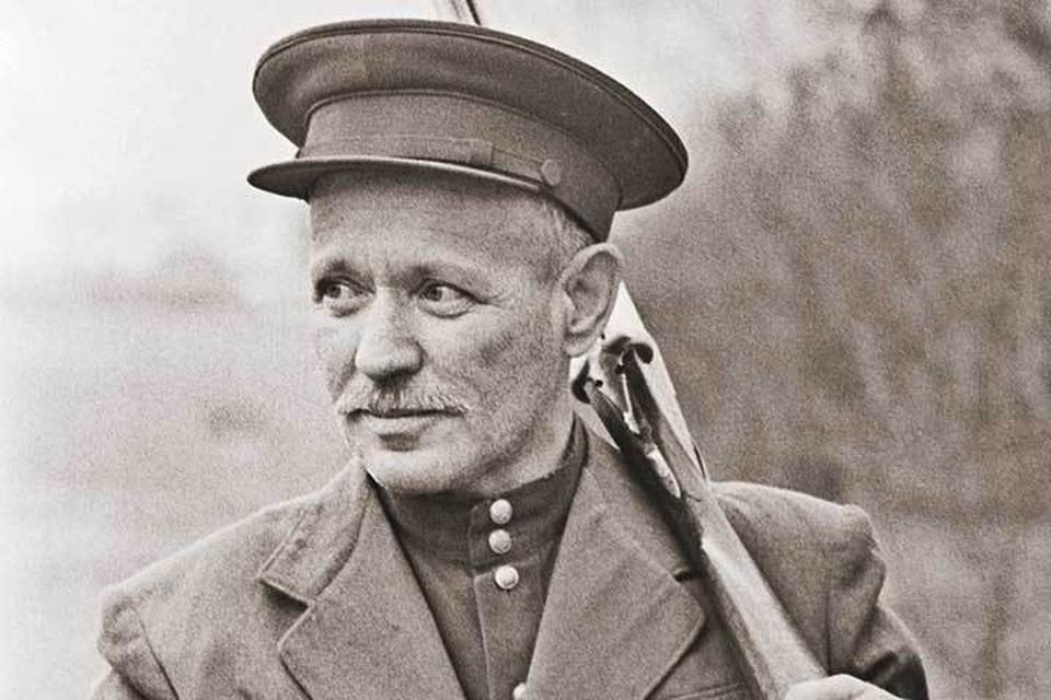 6 апреля 1955 года, станица Вешенская. Писатель на охоте, которую страстно любил.