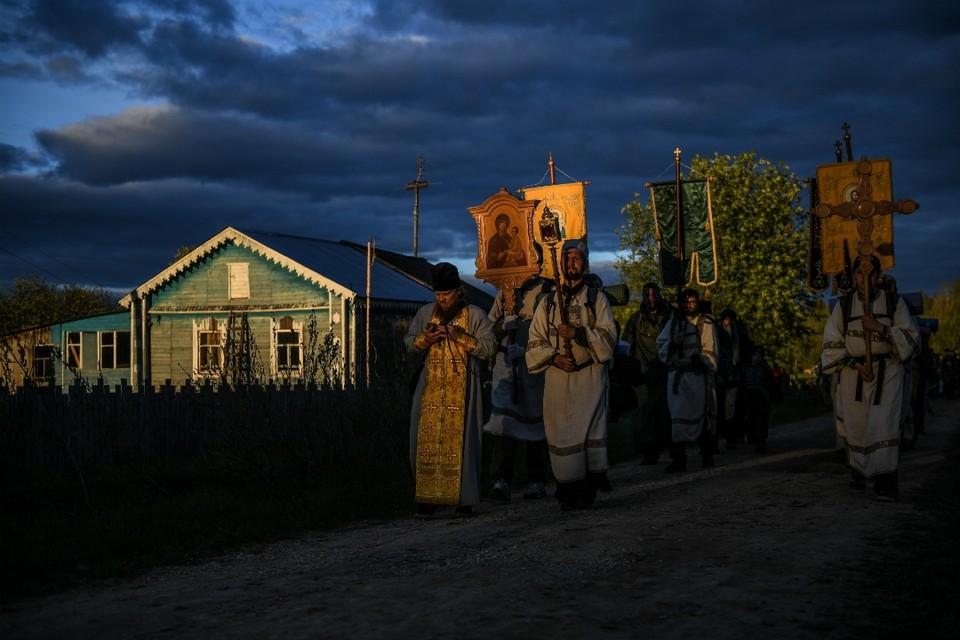 В этом году местные жители населенных пунктов по пути шествия паломников не хотят принимать гостей.