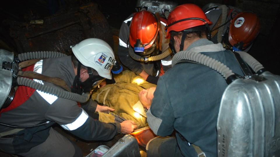 Горноспасатели постоянно приходят на помощь попавшим в беду шахтерам. Фото: dnmchs.ru
