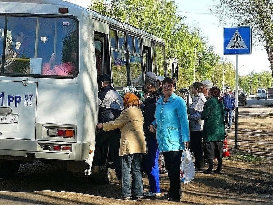 """Пока на дачи можно добраться только на личном транспорте или на такси Фото: Архив """"КП"""""""