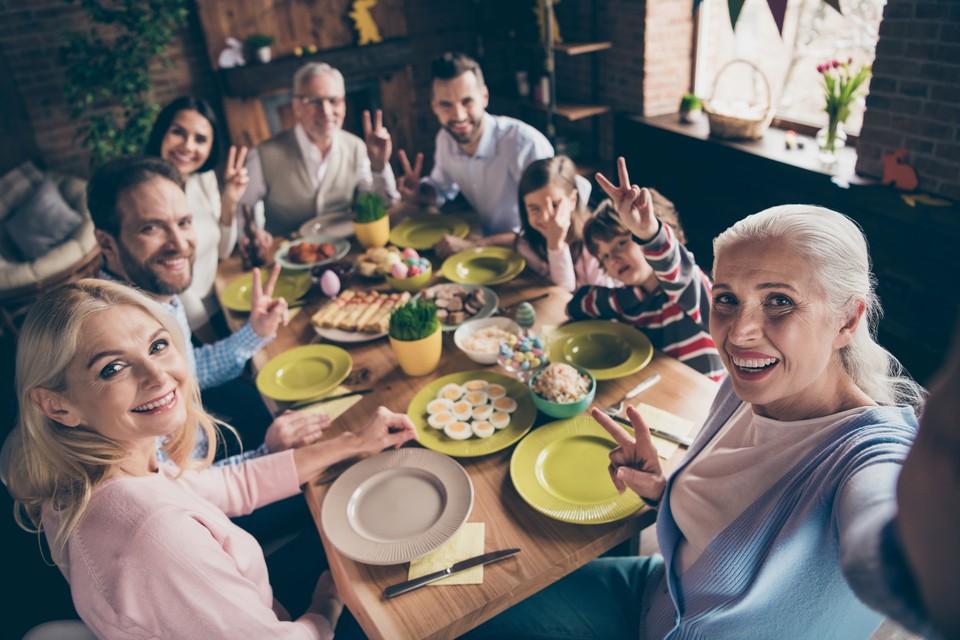 В большой семье всем можно найти занятие по душе.