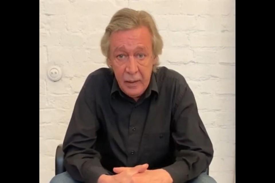 В своём видеообращении актёр заявил, что жизнь - не кино, обратно не перемотаешь