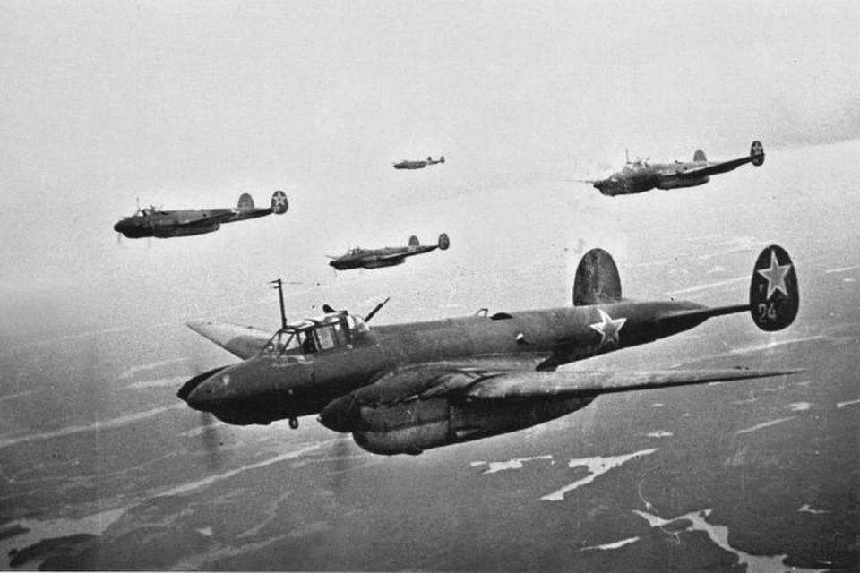 13 апреля 1945 года три девятки Пе-2 вылетели бомбить аэродром Гросс Диршкайм.