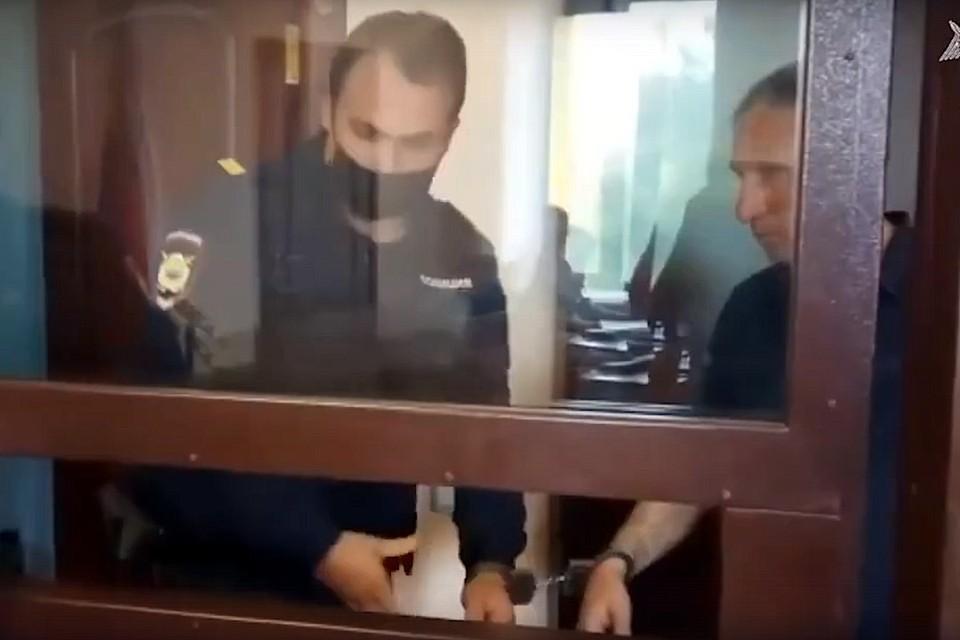 Решение об аресте криминального авторитета принимал суд. Фото: кадр с видео СУСК