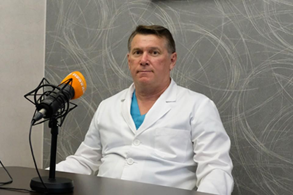 Валерий Стрижелецкий признается, что легче врачам пока не стало.