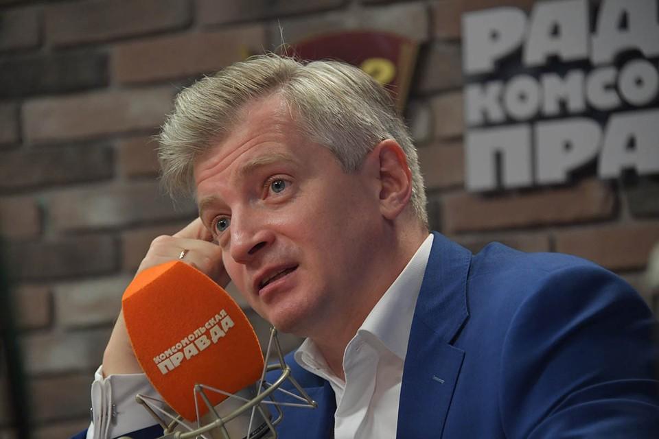 Александр Кибовский ответил на вопросы о работе библиотек и кинотеатров после пандемии.