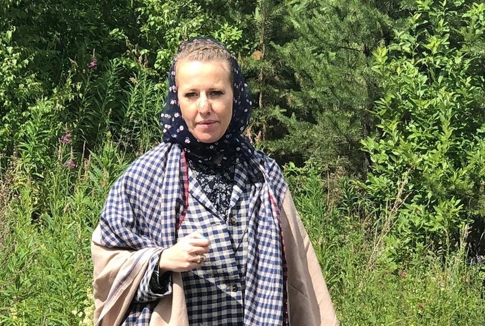 Ксения Собчак прилетела в Екатеринбург, чтобы снять фильм про отца Сергия.