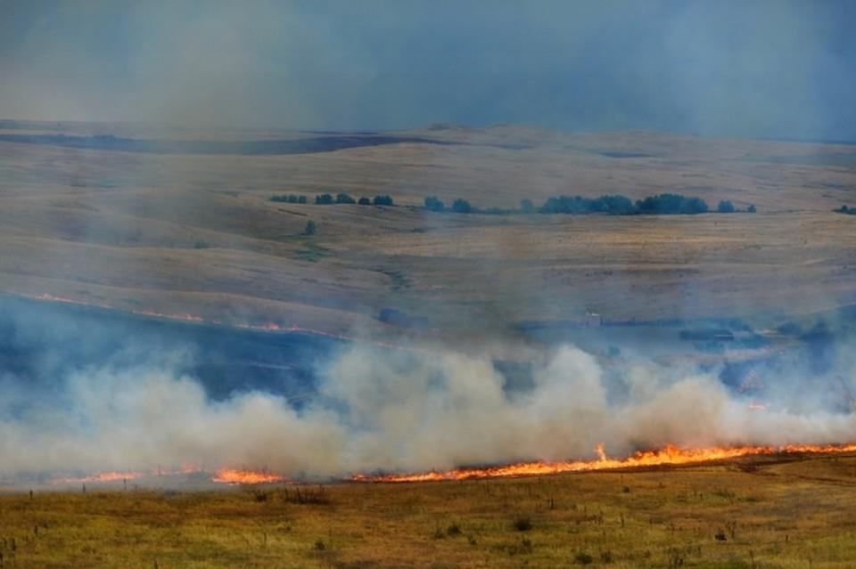 Астраханцы вновь задыхаются от запаха дыма