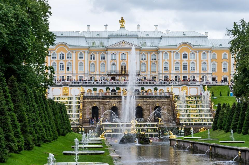 В Петергофе ждут первых гостей уже 3 июля.