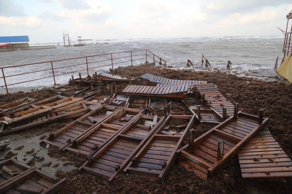Смерчи ожидаются у побережья Сочи.