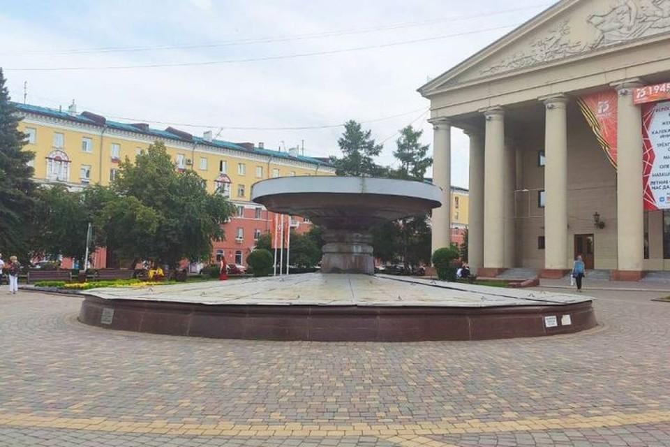 В Кемерове готовятся к запуску фонтанов. Фото: Илья Середюк/ Instagram