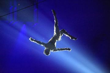 Жонглируют долгами и крутятся как акробаты: всемирно известный «Цирк дю Солей» в шаге от банкротства